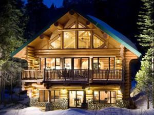 Комфортный деревянный дом из бревна